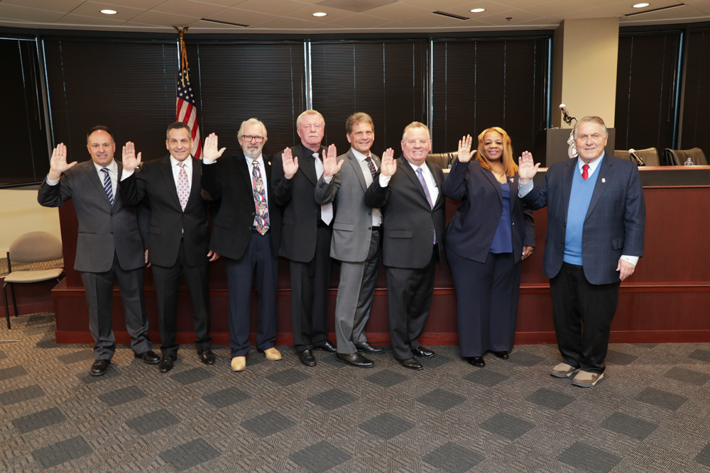 General President Hoffa administered the Oath of Office to the executive boards of Teamsters Joint Council No. 25 and fourteen Local affiliates